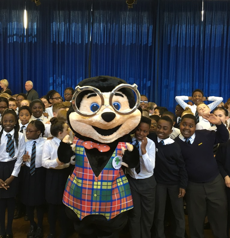 Miles the Mole teaches Havering pupils about air quality