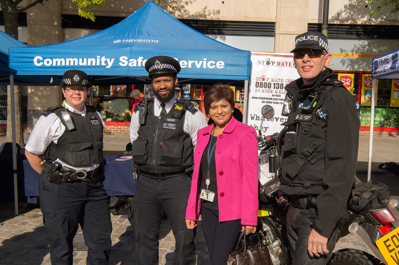 Cllr Viddy Persaud at Safer Neighbourhood Board community event