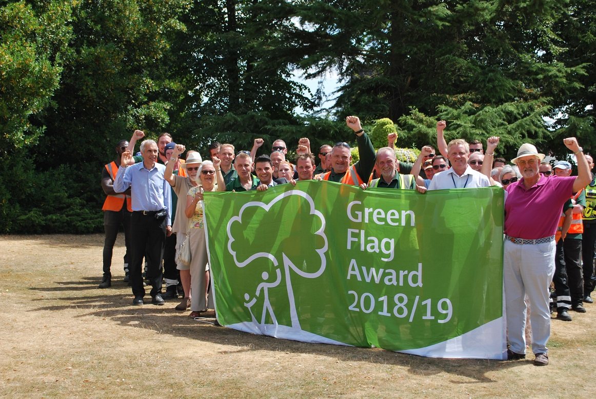 Havering parks celebrating  Green Flags awards