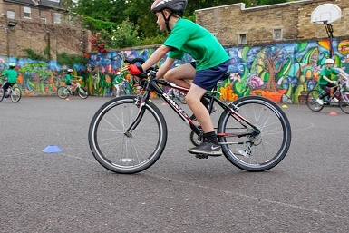 enjoy free cycling activities in Havering